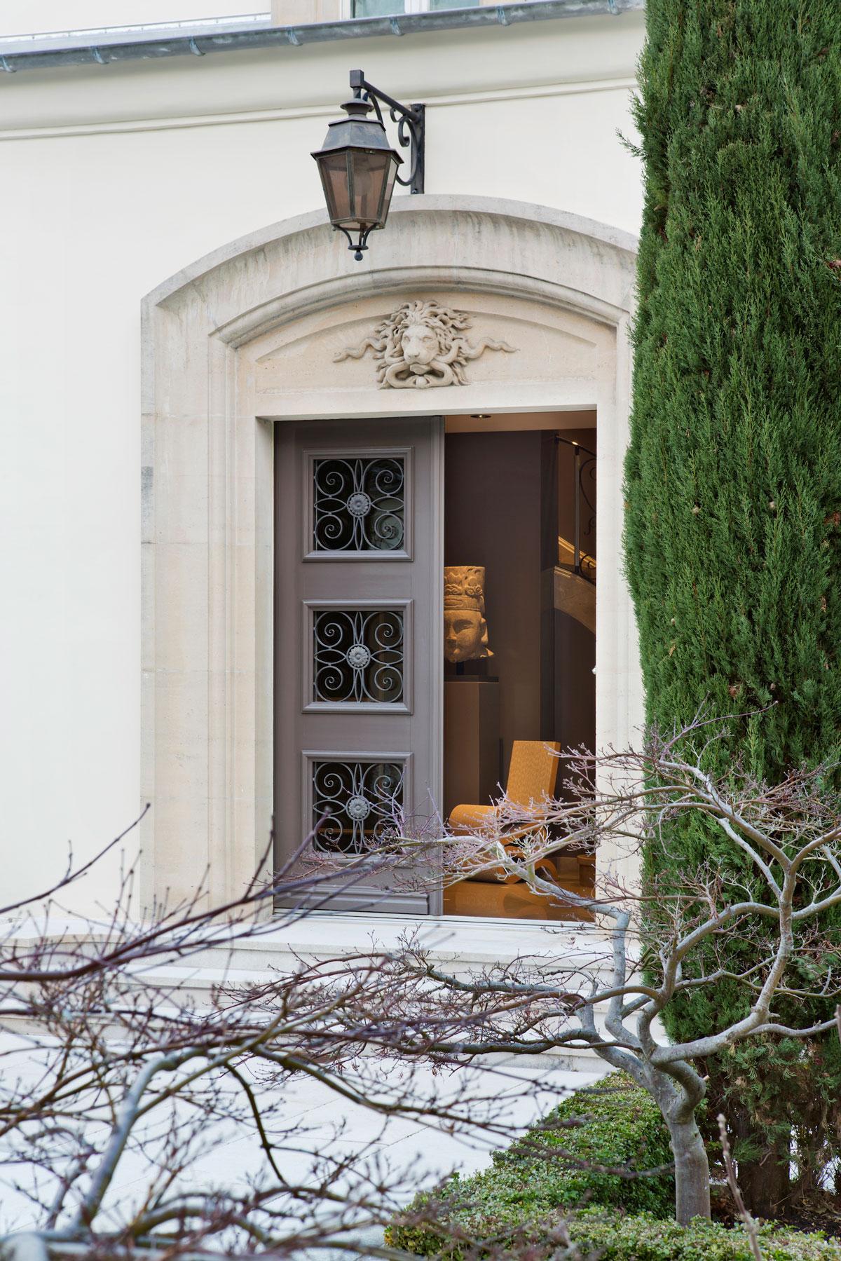 serge-castella-interiors-maison-on-lake-leman-01