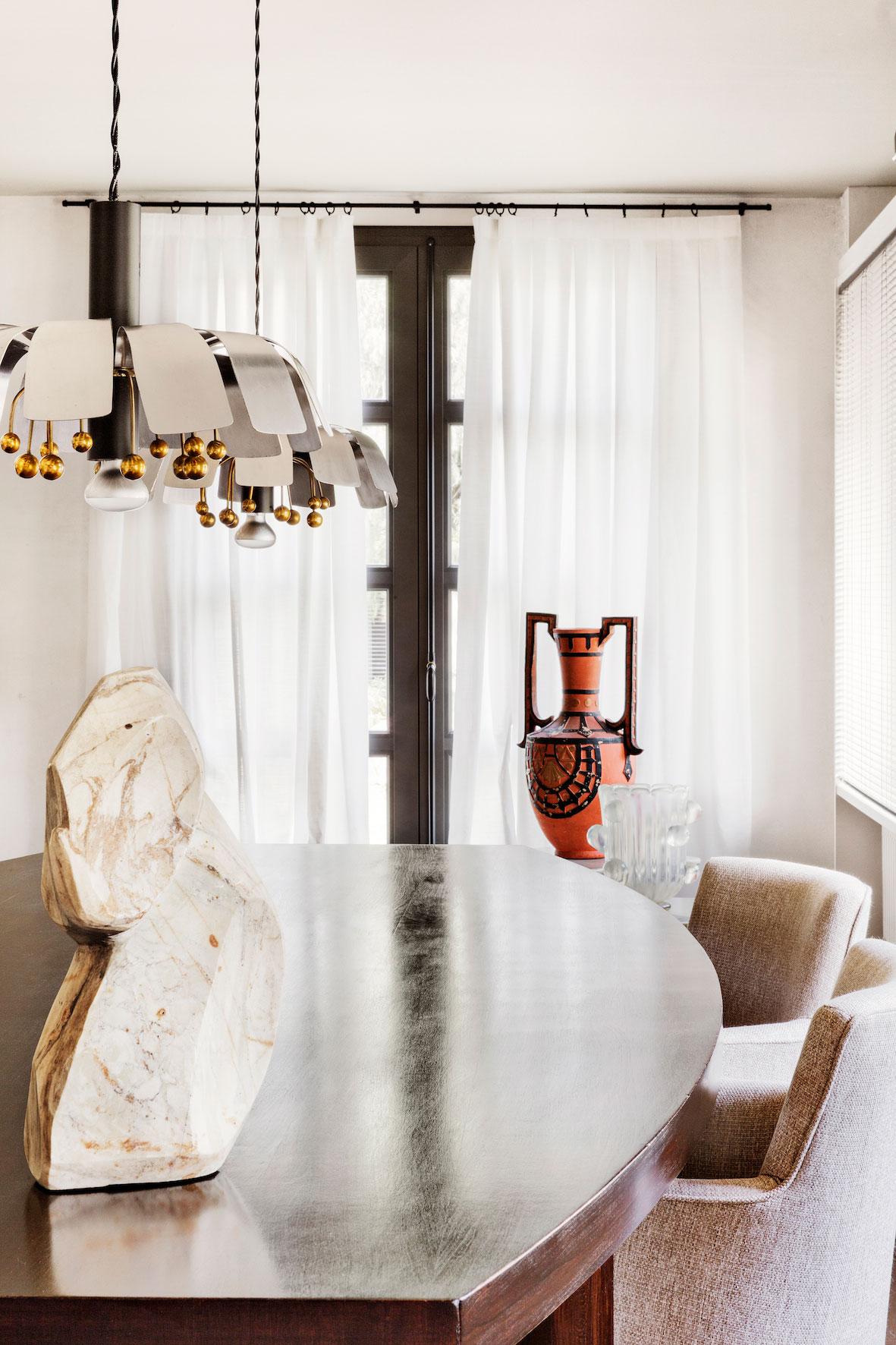 serge-castella-interiors-city-apartment-00