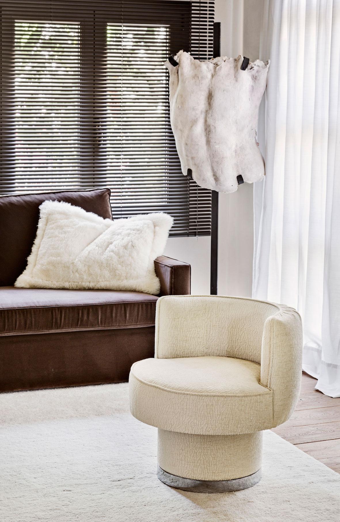 serge-castella-interiors-city-apartment-05